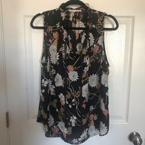 Like new! Violet and Clair floral top